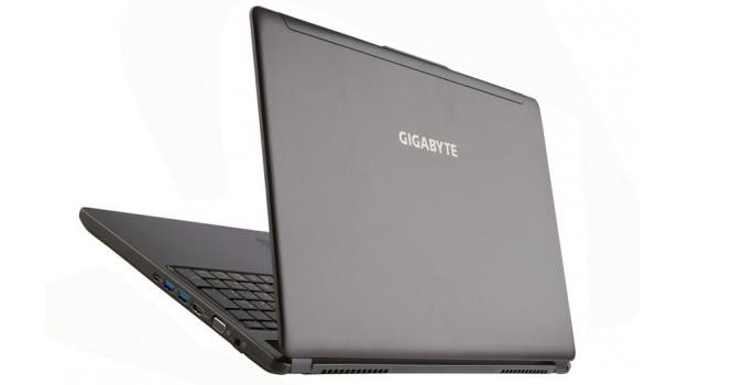 laptop pentrun jocuri P37X